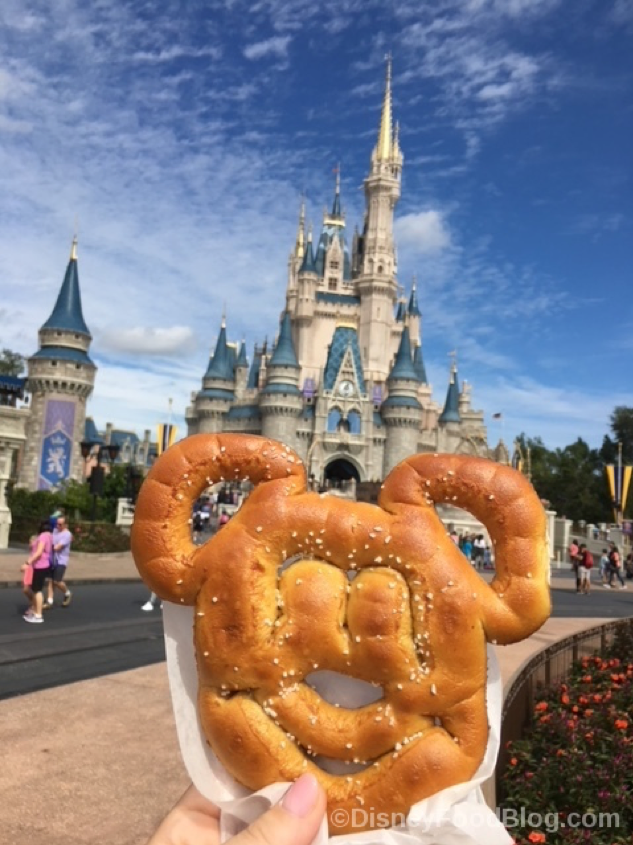 Mickey Shaped Pretzel with Cheese
