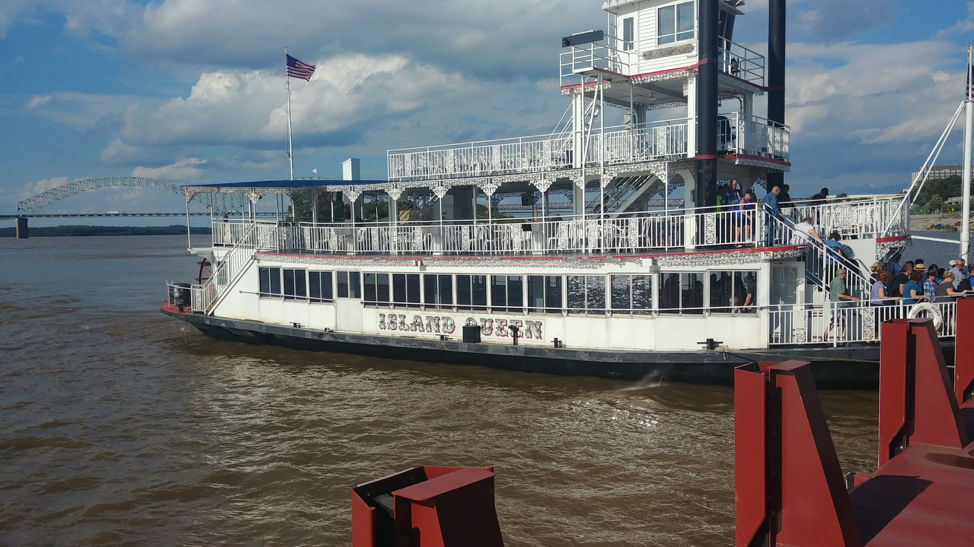 Things To Do Memphis Tennessee - River boat