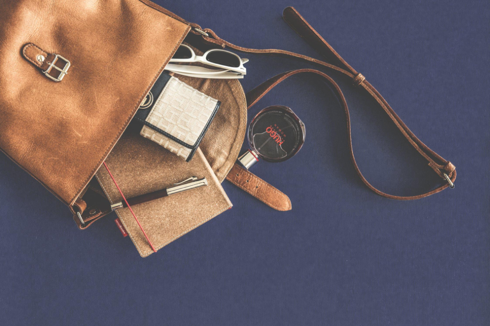 Top 5 Must Have Items You Should Have in Your Bag