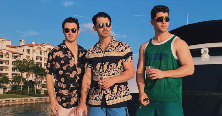 Jonas Bros Summertime Songs