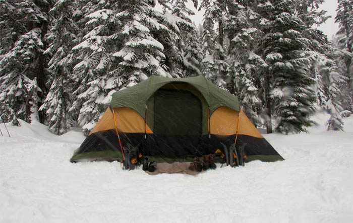 Top 5 Camping Tips For First-Timers - Check the weather