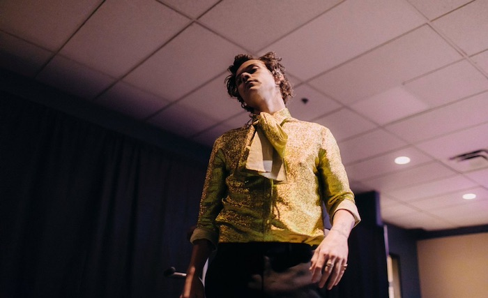 Top 5 Outfits Harry Styles Wore On His 2018 World Tour - Denver