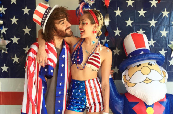 Top-5-Wildest-4th-Of-July-Outfits