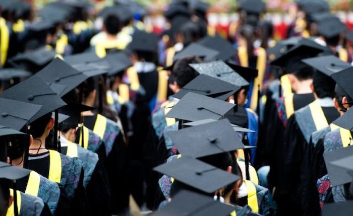 Top 5 Tips for Recent College Graduates as Summer Ends