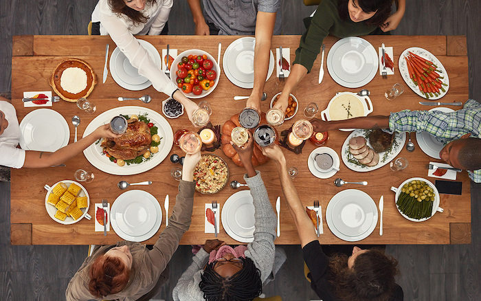 Top 5 Fun Fall Activities to do with Your Friends - friendsgiving