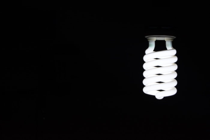 Top 5 Reasons to Switch to LED Light Bulbs-titlepic