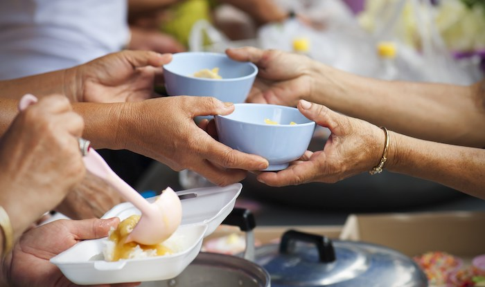 Top 5 Ways to Give Back This Holiday Season - Soup Kitchen