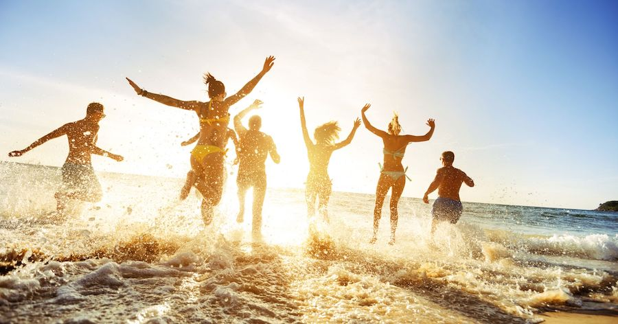 Top 5 2020 Songs That You Should Have on Your Summer Playlist