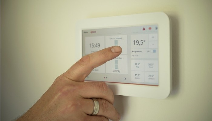 Top 5 Ways to Keep Utility Costs Low While Staying Cool This Summer - Adjust Your Thermostat