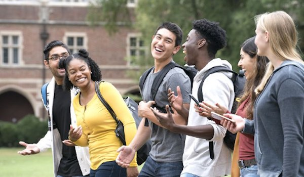 Top 5 Reasons Why It's Ok To Commute To College - Meet Friends