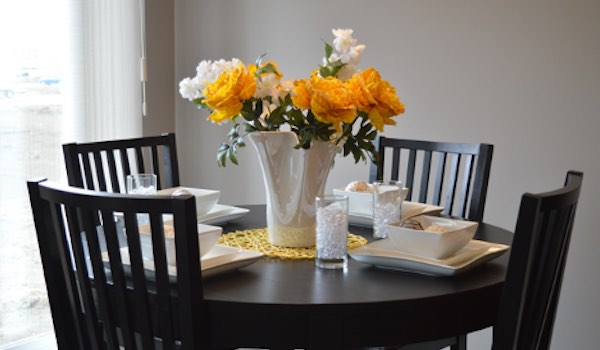 Top 5 Essential Furniture Pieces to Have in Your Apartment - Eating Area