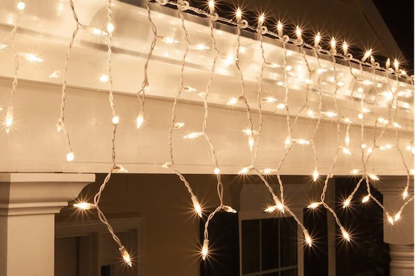 Top 5 Ways To Decorate Your House For The Holidays - Icicle Lights