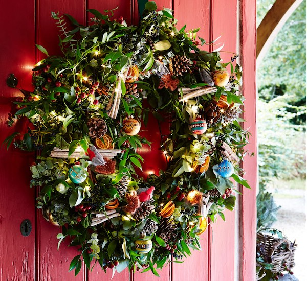 Top 5 Ways To Decorate Your House For The Holidays - Wreath