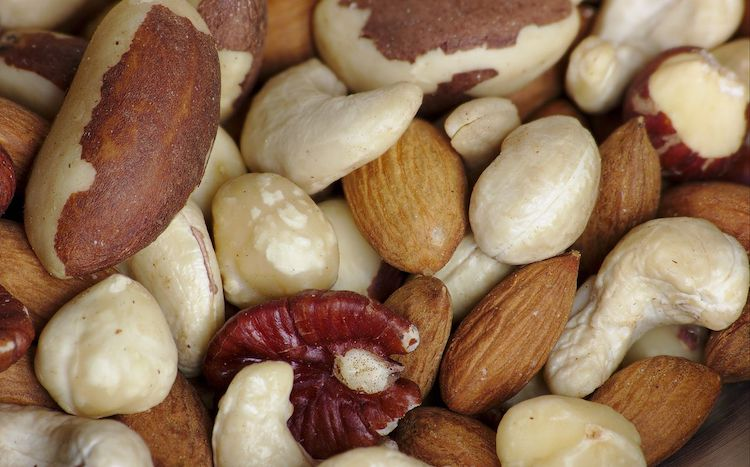 Top 5 Keto Friendly Snacks - Mixed Nuts