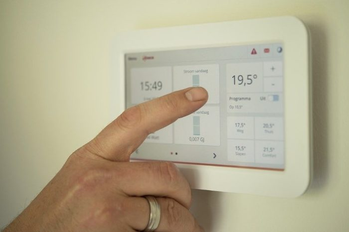 Top 5 Ways to Keep Utility Costs Low While Staying Cool This Summer