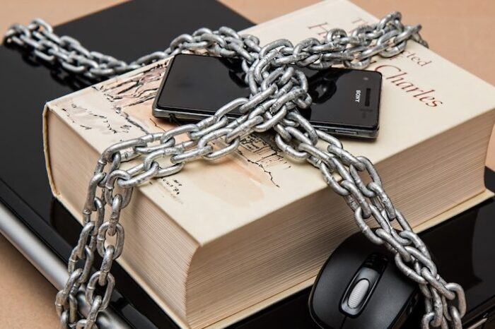 5 Ways to Keep Your Stuff Safe at College