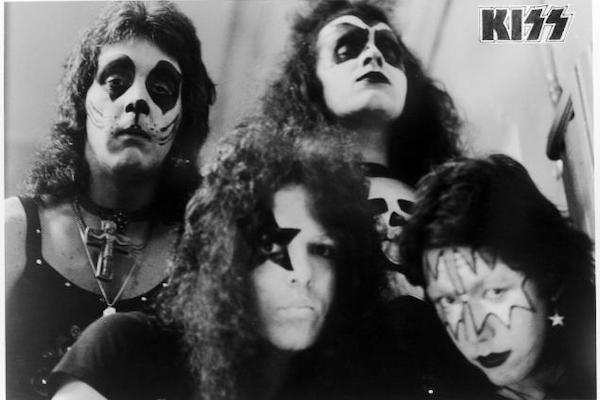 Top 5 early experimental looks of the rock band KISS - Original