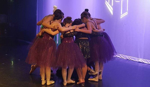 Top 5 Things You Miss When You Quit Dance - Seeing Friends