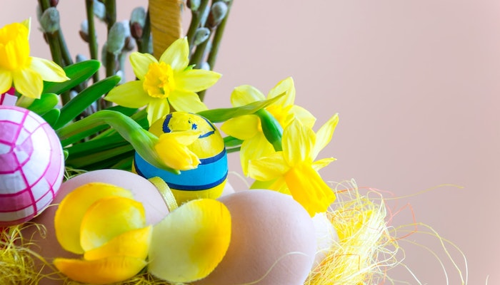 Top 5 Fresh Ways to Decorate Your Place for Easter - Florals