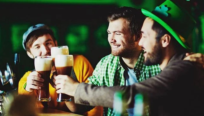 Top 5 Saint Patrick's Day Traditions - Drinking