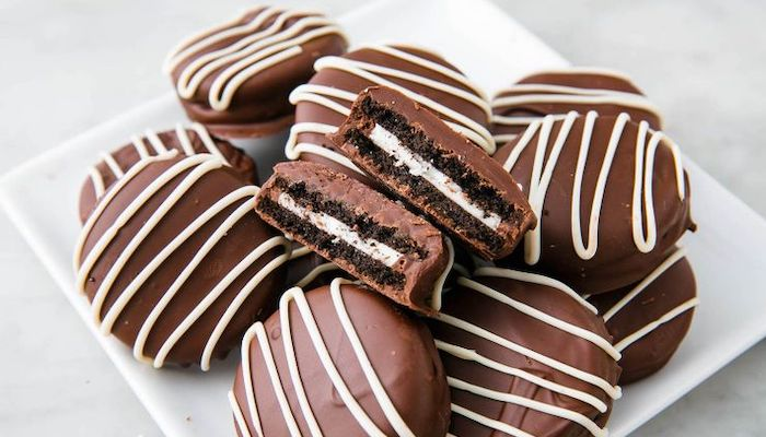 Top 5 Snacks Improved with a Coating of Chocolate - Oreos