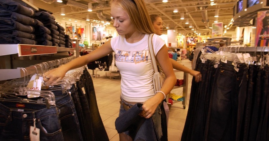 Top 5 Stores Preteen Girls Probably Shopped In In the 2000s