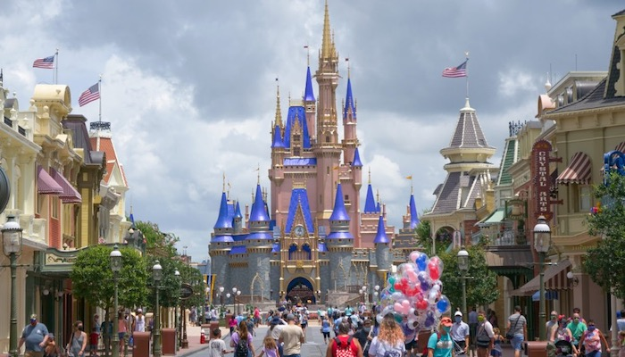 Top 5 Ways To Avoid The Lines In Disney World - Go At An Off Time
