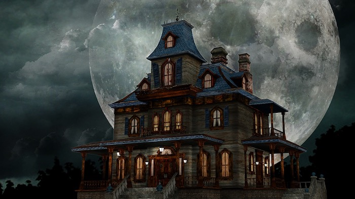 Top 5 Spooky Dates To Go On With Your Boo - Haunted House